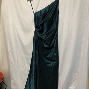 Laundry by Shelli Segal formal dress size 6